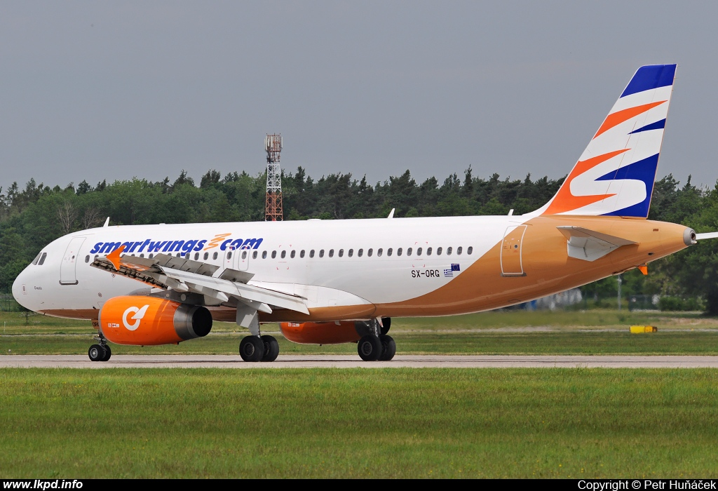 Smart Wings – Airbus A320-232 SX-ORG