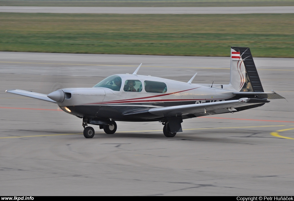 Private/Soukromé – Mooney M-20K 252TSE OE-KOG