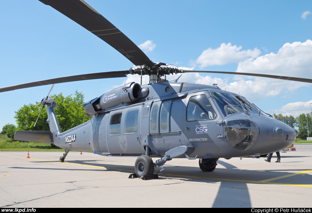 Private/Soukromé – Sikorsky UH-60A(C) Black Hawk (S-70A) N522AA