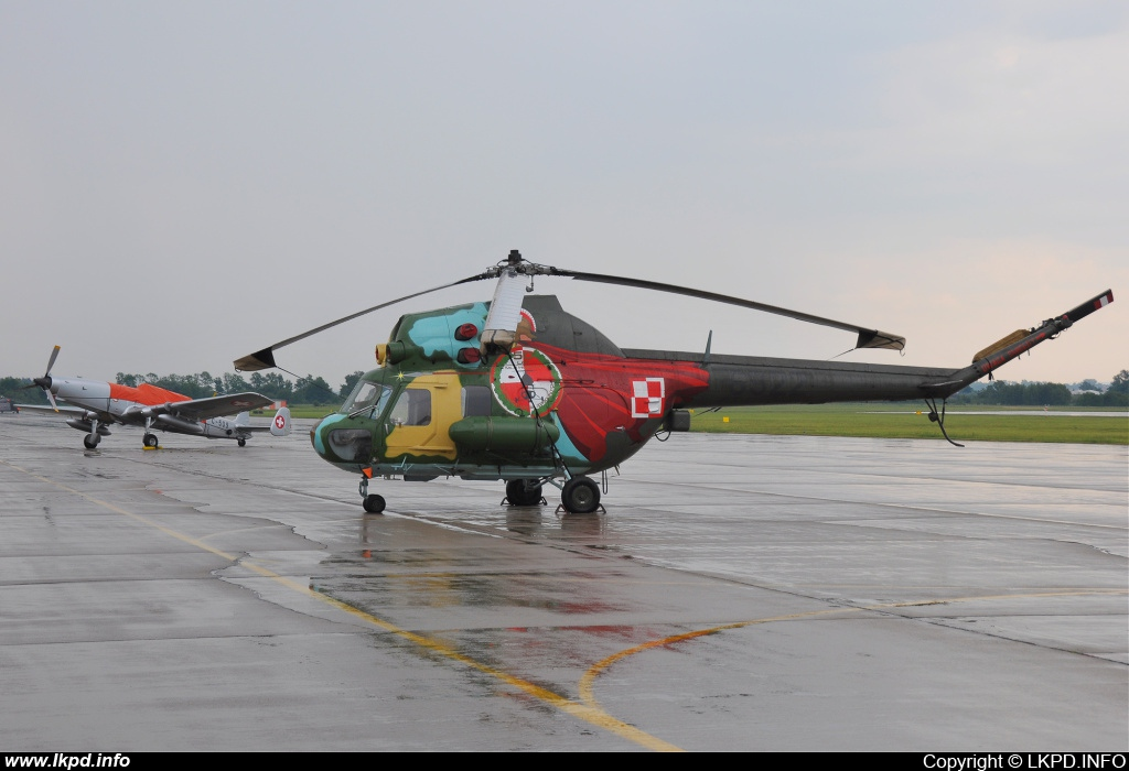 Poland Air Force – Mil Mi-2URPG 6922