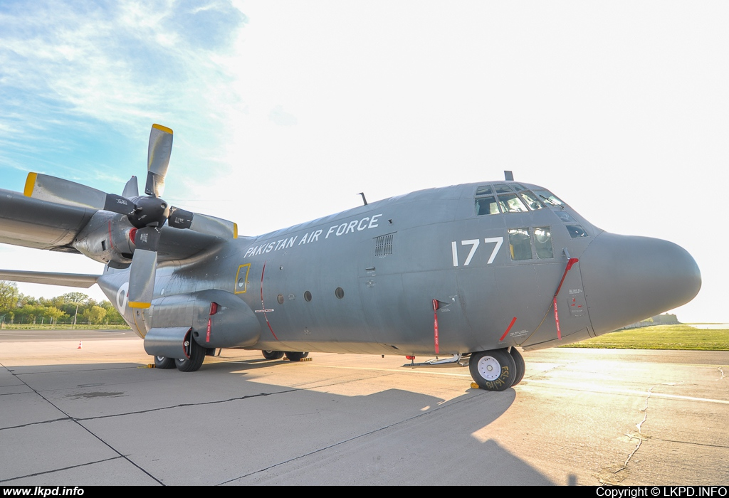 Pakistan Air Force – Lockheed C-130E Hercules 4177